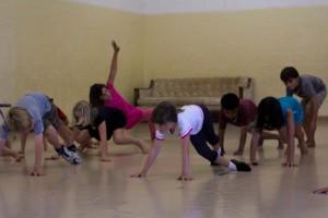 12-kaca-dance-300x200